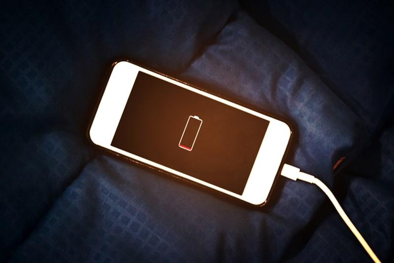 โทรศัพท์สมาร์ทโฟนอยู่ๆก็ดับเอง