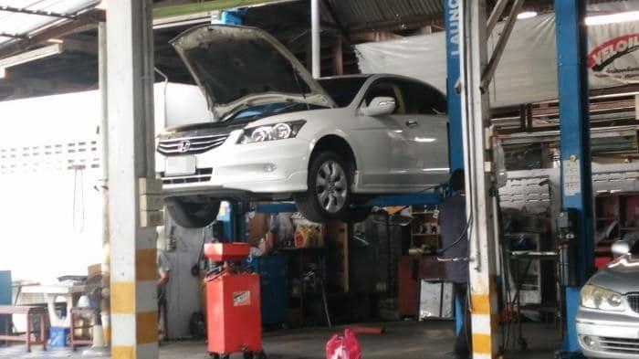 อุ่ซ่อมรถ
